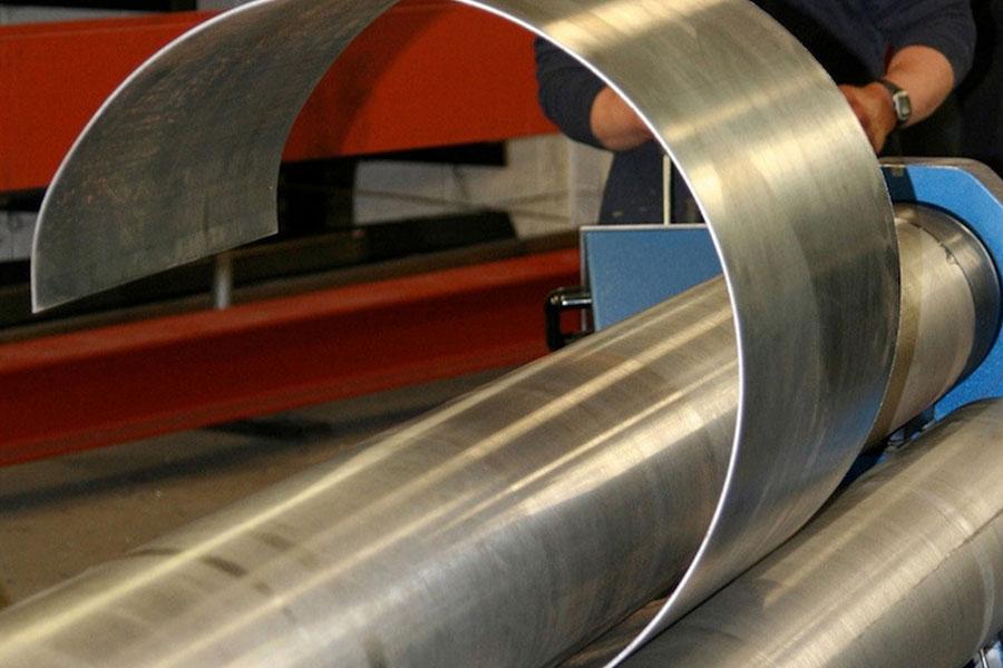 производство козырьков из вальцованного металла