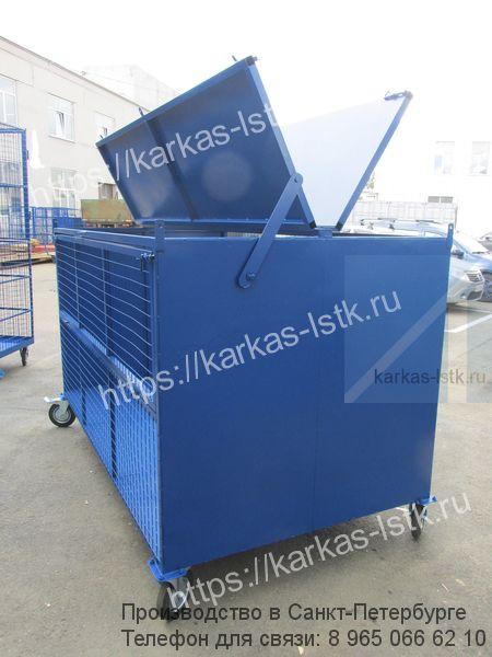 контейнер для отдельного сбора отходов во дворе