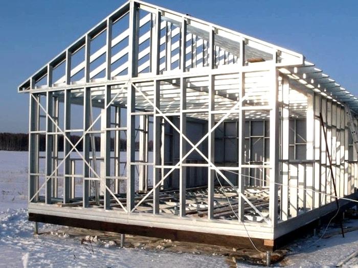 металлический одноэтажный дом из лстк