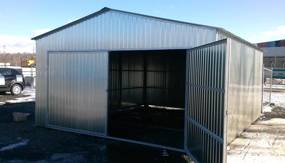 лодочный гараж с двускатной крышей