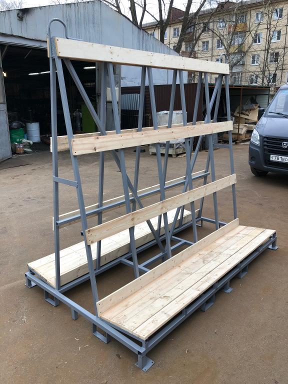 транспортировочная пирамида с настилом деревянной рейкой